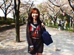 חובבניות אסיאתיות רב גזעי יפניות בחוץ