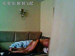 חובבניות בחורה עקבים גרביונים מצלמה נסתרת