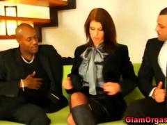 Pušenje Žena I Dva Muškarca Igra Seks U Troje Igračka
