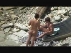 חובבניות חוף זכר עירום