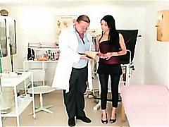 אנאלי ברונטיות דגדגן רופא פטיש