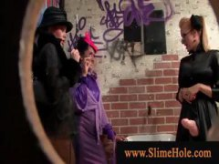 Шмукање Масивно свршување Облечена жена Свршување