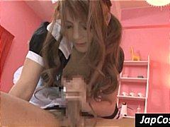 אסיאתיות בוס יפניות עוזרת בית מדים