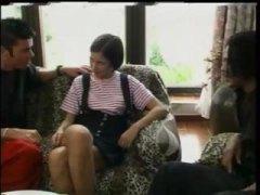 ברונטיות גמירה על הפנים צעירות שלושה משתתפים זין