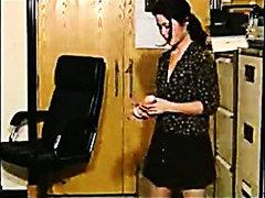 אוננות במשרד
