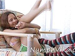 חמודות לסביות משחק צעירות צעירות