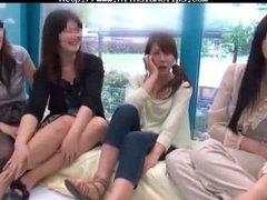 אסיאתיות מצחיק יפניות בולעות גמירות
