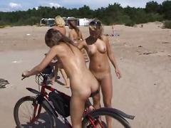 חובבניות כוסיות חוף בלונדיניות ברונטיות
