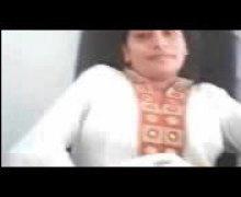 חובבניות בחורה הודיות אצבעות