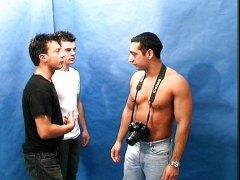 אנאלי גמירה על הפנים הומואים הומואים צעירים
