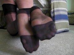חובבניות פטיש כפות רגליים גרבונים גרבונים