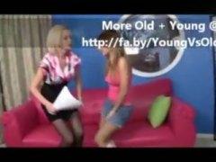 Beib Blondid Tüdruk Lesbi Milf