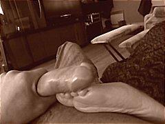 חובבניות פטיש כפות רגליים נשואה ברונטיות