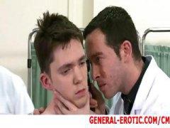 אנאלי תחת בחור צעיר פטיש הומואים