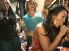 Purjus Grupikas Stripp Tüdruk Munn