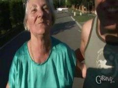 מציצות פנים סבתות עבודה ידנית מבוגרות