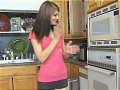保姆 褐发女郎 猛干 厨房激战 青少年