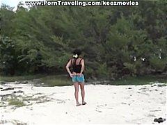 חובבניות חוף שחורות בלונדיניות מציצות