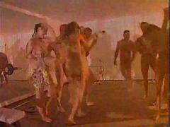 בלונדיניות קבוצתי חדר כושר מסיבה פוסי