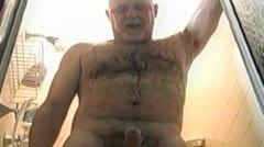 דובים שעירות אוננות מבוגרות מקלחת