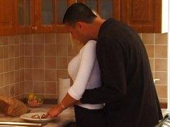 金发女郎 巨乳 厨房激战 青少年 青少年