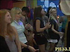חובבניות מציצות רוקדות בחורה הרדקור