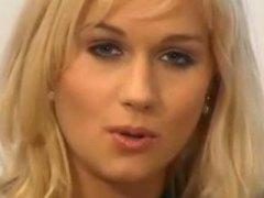 Anaal Blondid Suhuvõtmine Riides naine vs alasti mees Seemnepurse