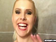 בלונדיניות לסביות מקלחת אוננות צעירות