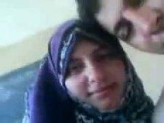 חובבניות ערביות זוג נשיקות