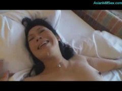 Milf getting her hairy pussy fucked by guy cum to mouth on the bed