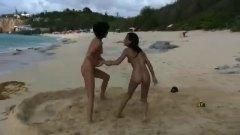 חוף לסביות מצחיק קבוצתי לסביות