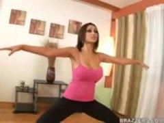 Blonde Naglalakihang suso Gym Malupit Nanay