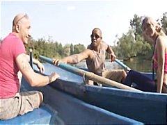 בלונדיניות הרדקור רב גזעי רוסיות שלושה משתתפים
