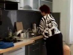 מלאות שמנות סבתות מטבח מבוגרות