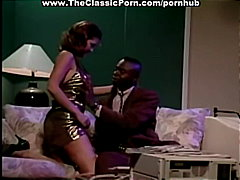 Анални Шмукање Бринета Класично Секс Со Помлади