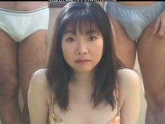 აზიელი გოგონა იაპონელი წვეულება