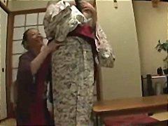 אסיאתיות יפניות לסביות מבוגרות צעירות