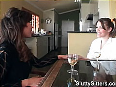 Anal Baby-Sitters Brunettes 2 Femmes 1 Homme Groupe
