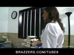 זין גדול ברונטיות זין רופא הרדקור