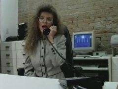 קלאסי דילדו פטיש בחורה משקפיים