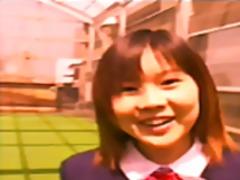 აზიელი გოგონა ბუკაკე პირისახის