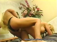 Секс Со Помлади Дилдо Домашно Зрели За Секс Милф