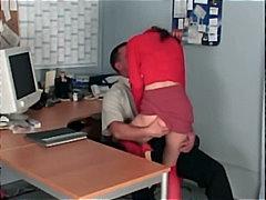 مص السمراوات كعوب في المكتب مراهقات