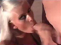 Babe Bikini Blond Blowjob Großbusig
