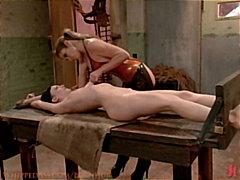 Dominació-submissió Dominació Lèsbic Esclaves Dona amb consolador cinturó