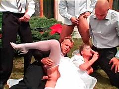 شقراوات جنس جماعى في العلن مجموعات أوروبى
