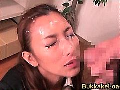 Asiático Chupando Lluvia De Semen Corrida Gangbang