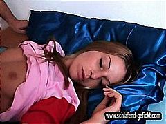 Молоденька П'яні Вечірки Сон Молоді Дівчата