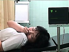 Baguhan Asyano Pinutukan Doktor Malupit
