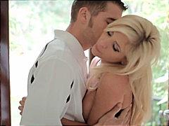 Blondid Suhuvõtmine Paar Masturbeerimine Raseeritud